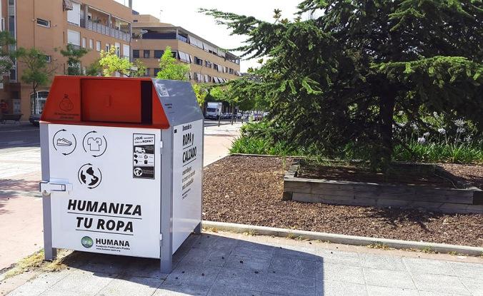 Humana_contenedor_Pº VALDELASFUENTES CON DOLORES IBÁRRURI